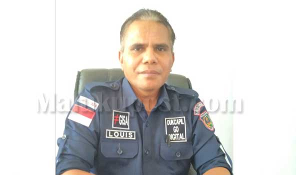 Kepala dinas Dukcapil Kabupaten Kepulauan Tanimbar, Julius Sumanik
